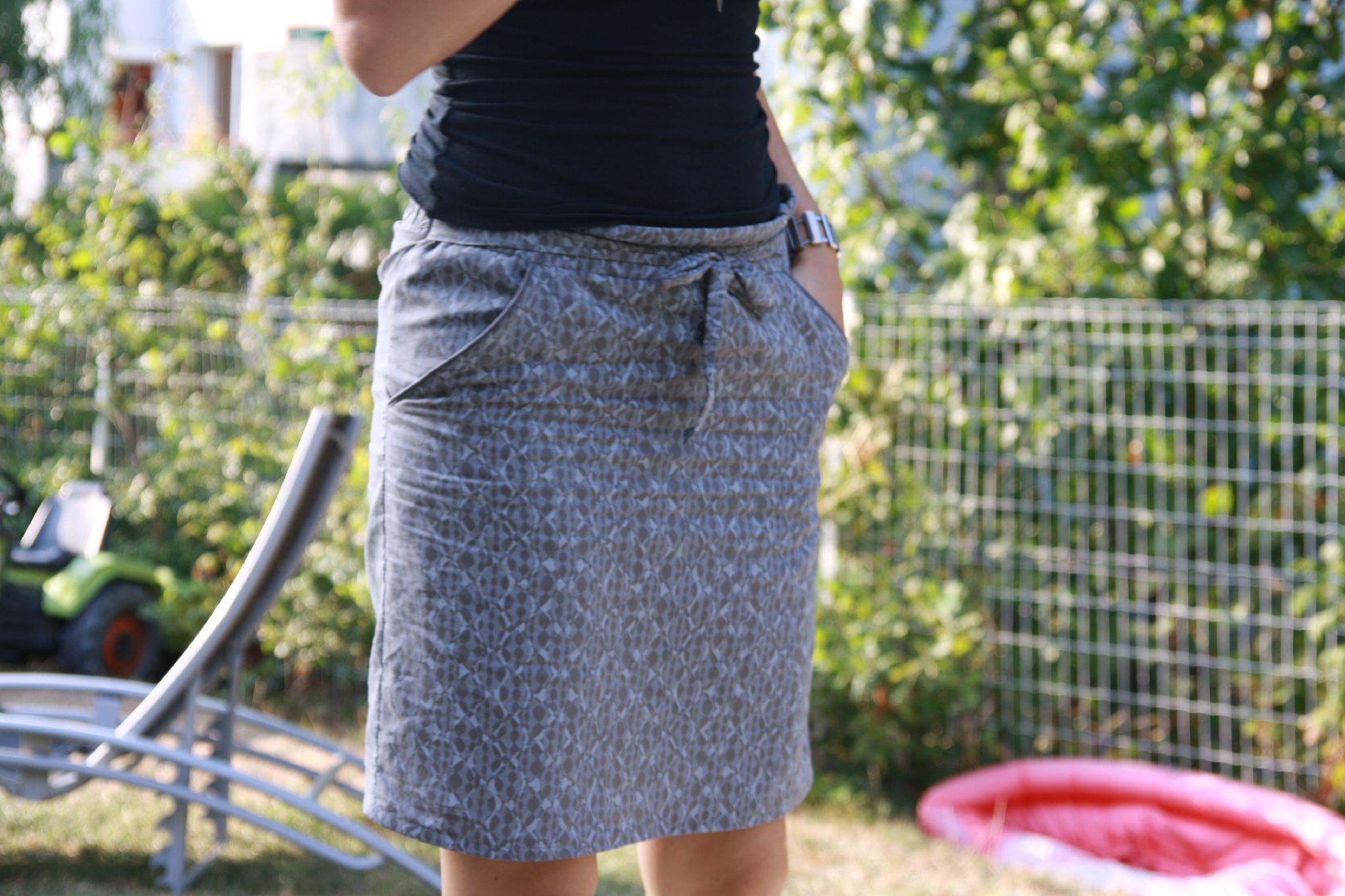 La jupe passepoilée (le retour)